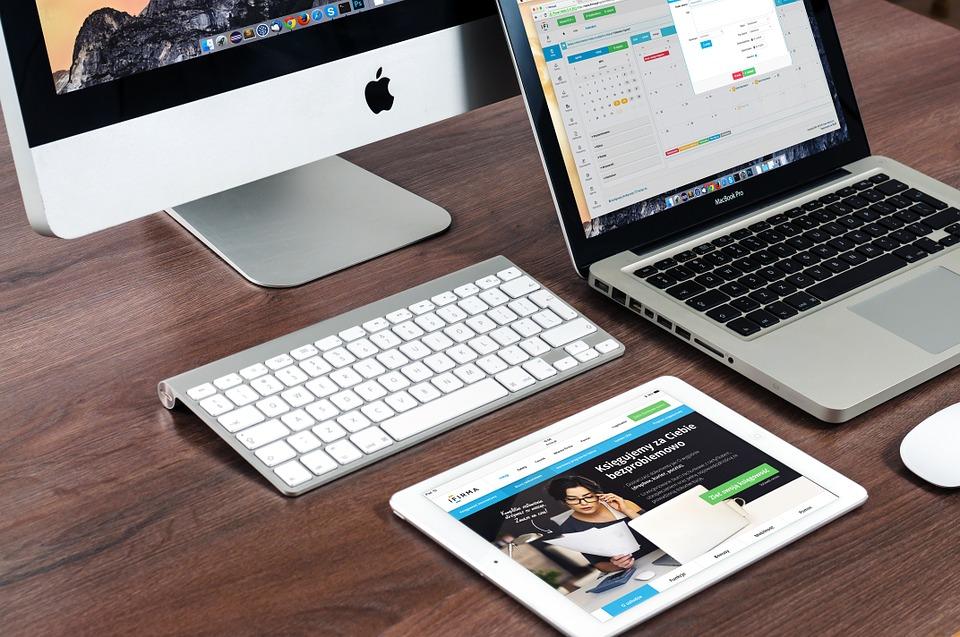 PocketBook og Kindle e-bogslæsere til salg hos specialbutikken eBookReader.dk