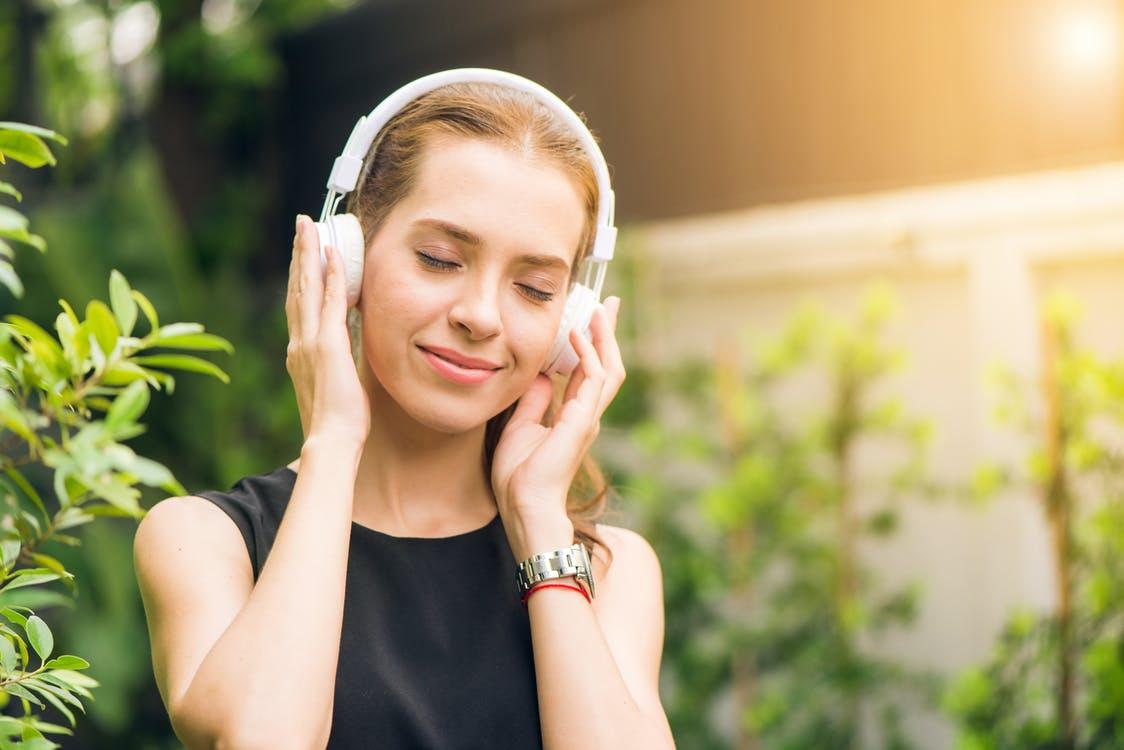 Trådløse høretelefoner samt højtalere med Bluetooth teknologi af KREAFUNK